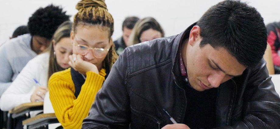 UNIFAAT oferece bolsas de até 100% para cursos de Graduação