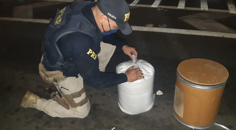 Polícia apreende 24 kg de alimento na Fernão Dias