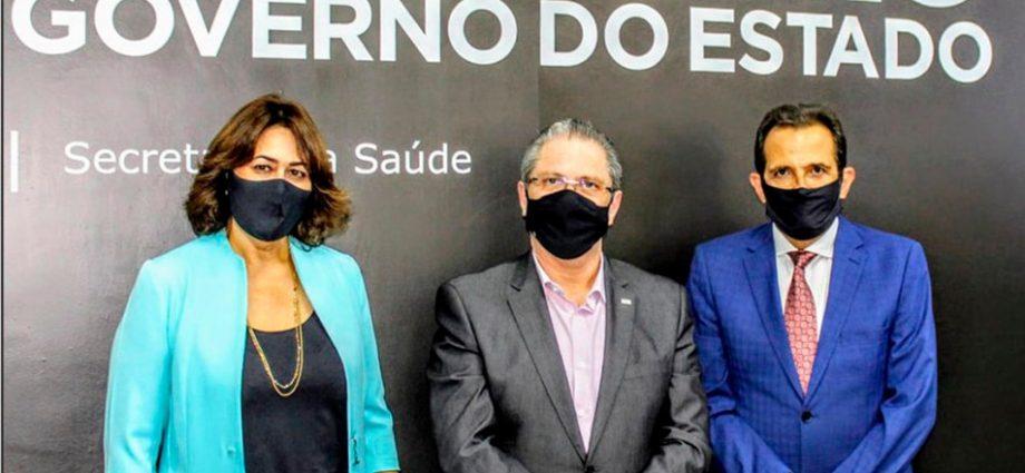 Vacinação de profissionais da saúde contra COVID-19: Estado rebate Prefeitura de Bragança Paulista e diz que há doses para este público.