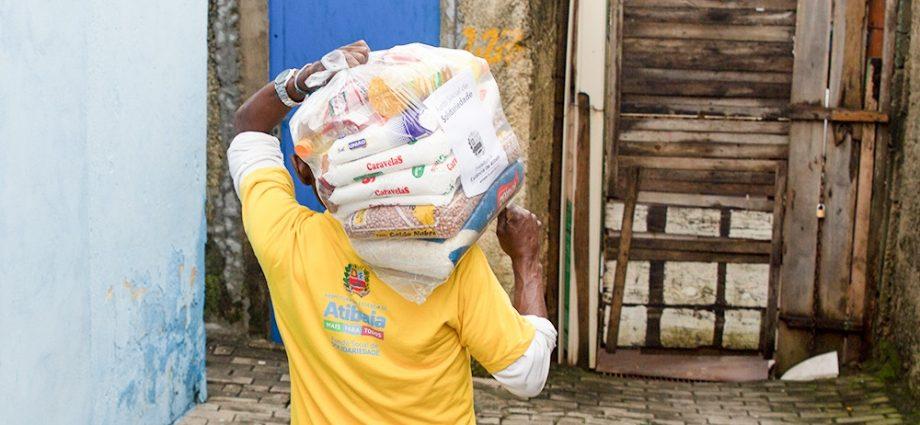 Atibaia cria cadastro on-line para atender pedidos de doação de alimentos e promove arrecadação nas feiras livres do município.