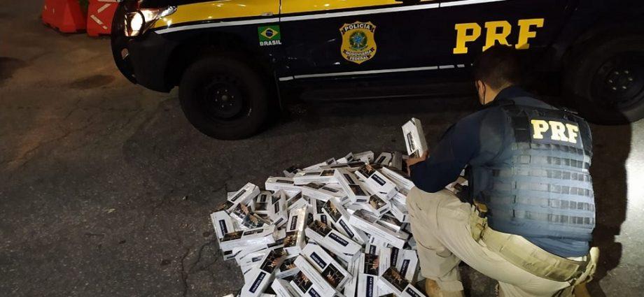 Polícia apreende 1270 maços de cigarro na Fernão Dias