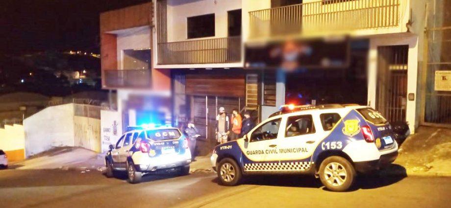 Tabacaria é fechada em Bragança Paulista durante fiscalização