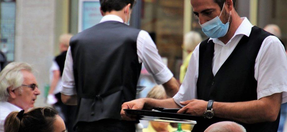 Atibaia publica novo decreto e reabre restaurantes a partir de hoje, 17. Salões e academias também podem funcionar.