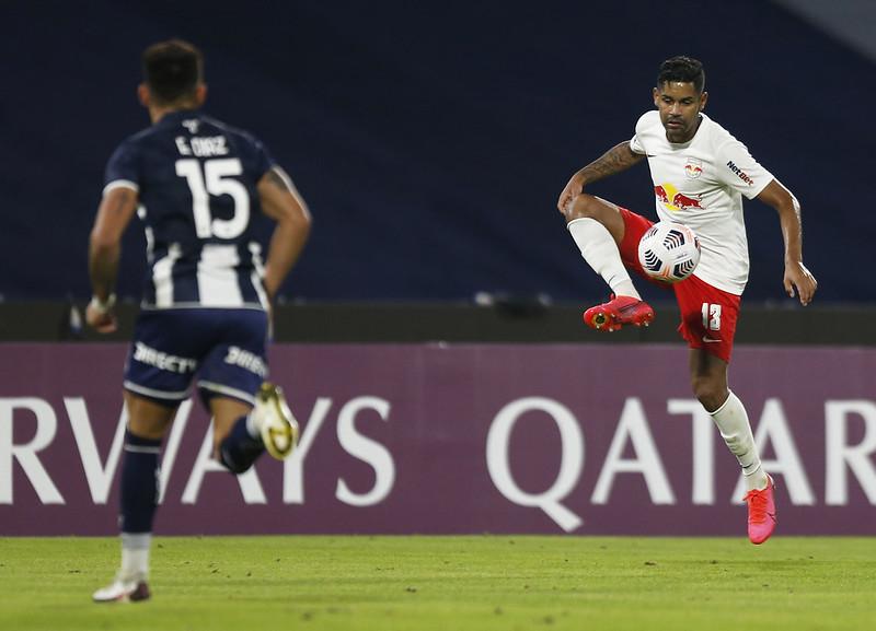 Bragantino estreia domingo no Brasileirão contra a Chape, às 18h15.  Claudinho e Cleiton se apresentam no dia seguinte na Seleção.