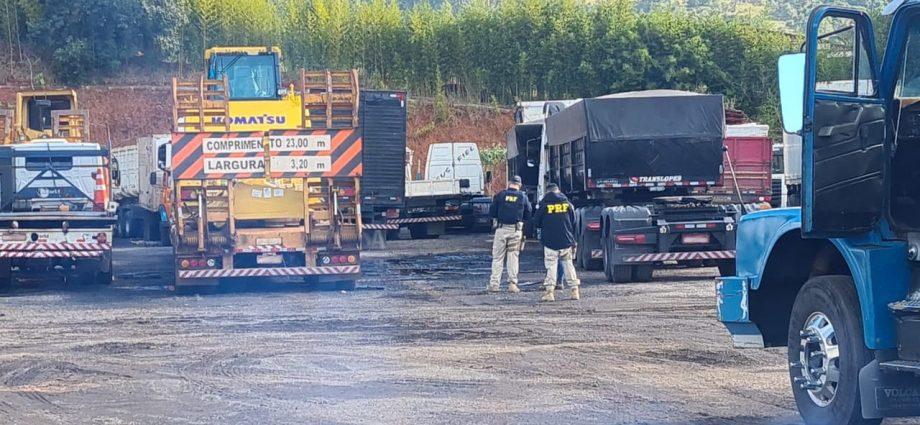 Pátio contratado pela PRF é lacrado em Atibaia por causa de irregulares. Ação foi realizada em conjunto com a Vigilância Sanitária.