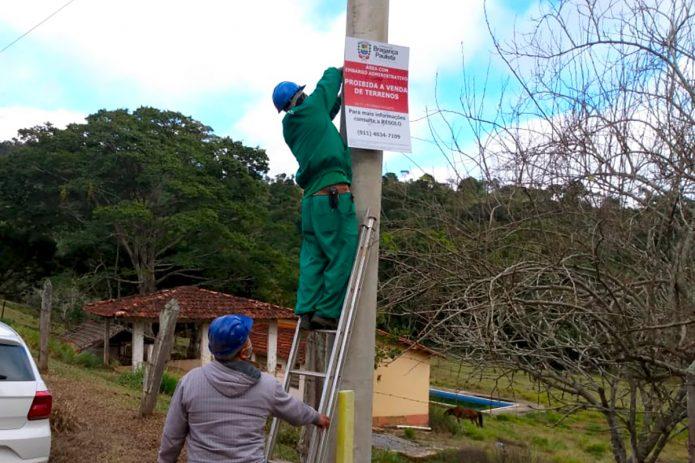 Prefeitura instala placas em parcelamentos irregulares na zona rural