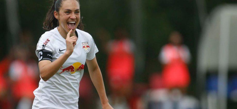 Red Bull Bragantino vence de goleada e garante classificação antecipada no Brasileiro Feminino A2. Equipe venceu Atlético-GO por 7 a 0.