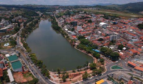 Lago do Taboão poderá contar com pedalinho, restaurante e bicicletário. Licitação para implantação destes serviços acontece em julho.
