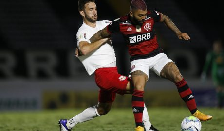 Red Bull Bragantino enfrenta hoje o Flamengo e Claudinho é poupado mais uma vez. Atleta tem desgaste por causa da maratona de jogos.